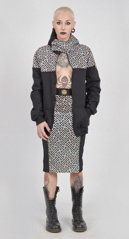 Falda de tubo Sayagata gris y negra.